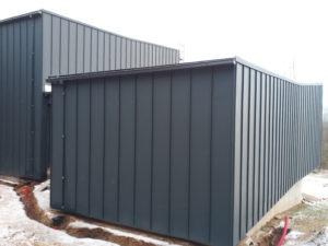 Provedení kompletního opláštění střechy a fasády včetně zateplení, falcovaná krytina Prefalz Al  RD Karlovarsko